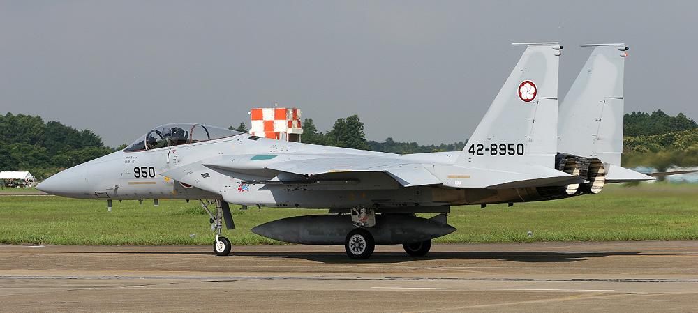 RF-4E 501sq: contrailahoya.sakura.ne.jp/newcontrail/airshow/2006/7.30hyakuri/new...